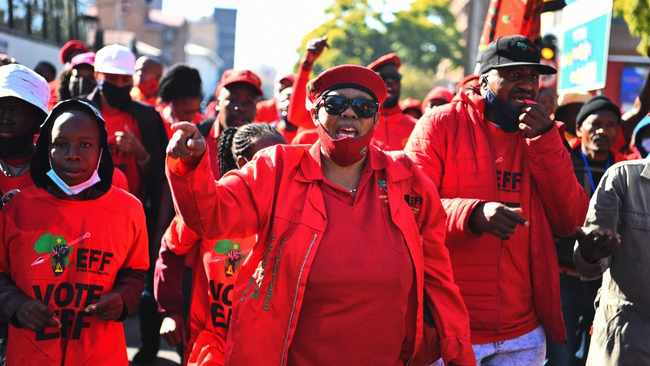 Bus loads of EFF supporters